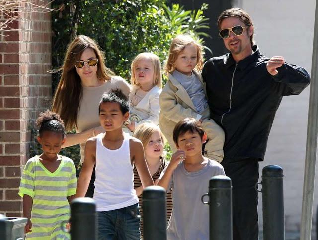 Анджелину поддерживает семья