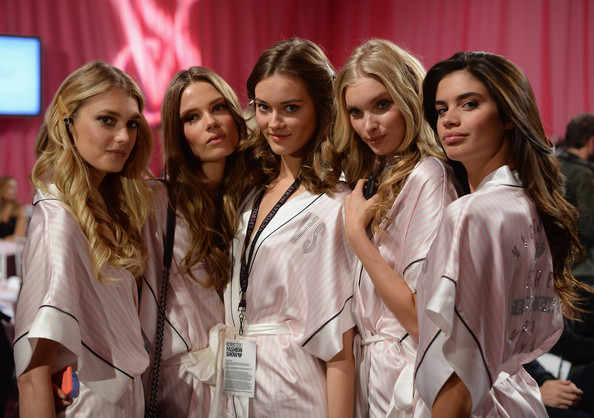 Backstage-видео с показа Victoria's Secret 2013/14