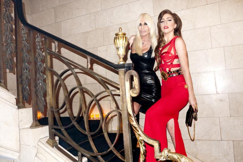Lady Gaga стала лицом модного бренда Versace