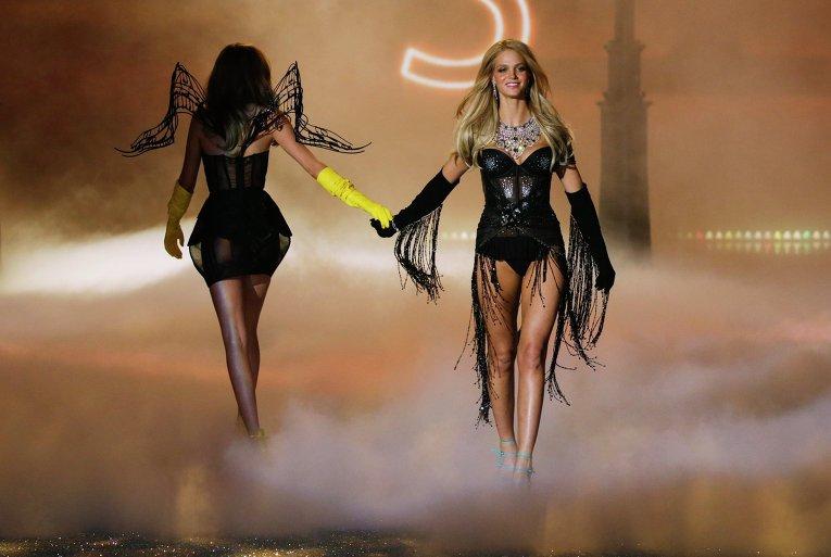 Cara Delevingne and Erin Heatherton: Victoria's Secret Fashion Show 2013