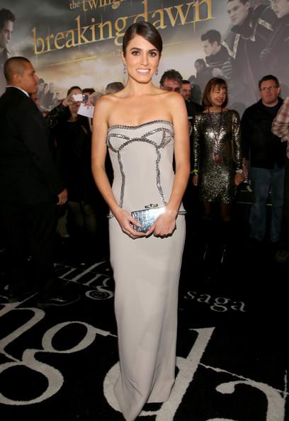 Платье Никки Рид на премьере Сумерки. Сага. Рассвет. Часть 2