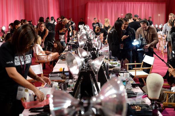 Victoria's Secret Fashion Show 2013: backstage