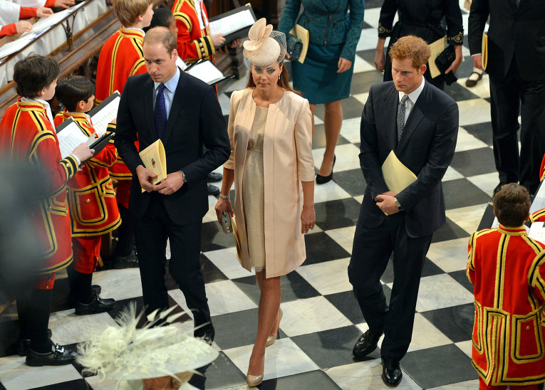 Принц Уильям, герцогиня Кэтрин, принц Гарри в Вестминстере 2013
