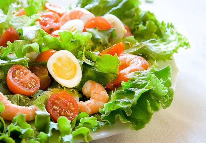 новогодний салат с креветками (рецепт и фото)
