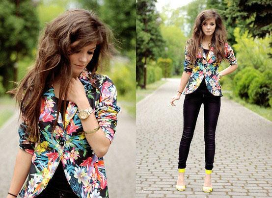 Джинсовая куртка с цветочным принтом
