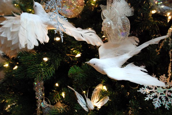 Голуби на елку