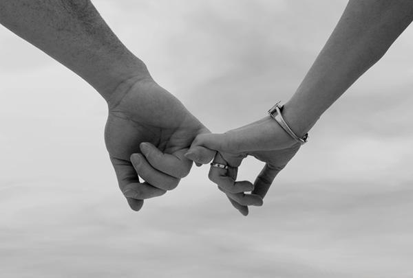 Парень долго не предлагает встречаться