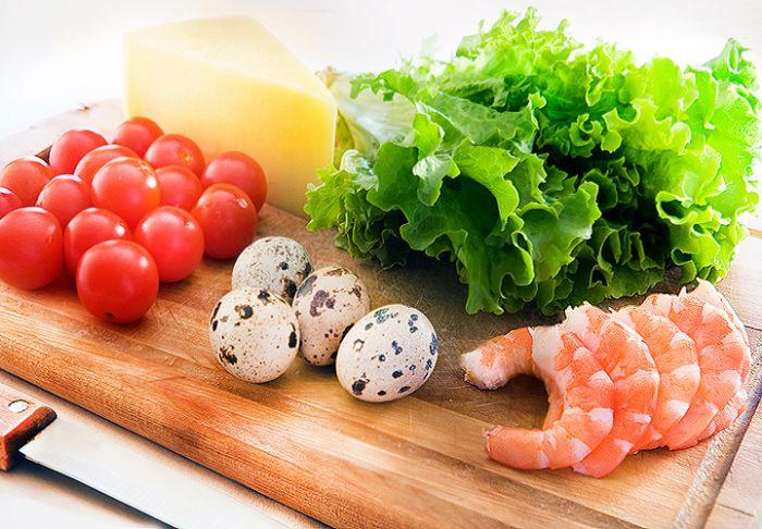 праздничный салат с креветками (рецепт и фото)