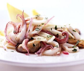 Рецепт салата из мидий и осьминога