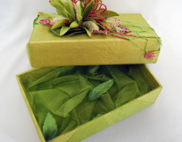 Упаковка зеленого цвета