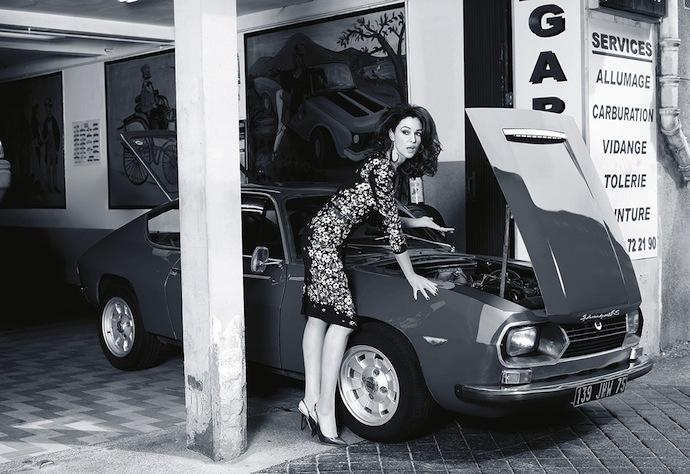 Моника Беллуччи в нарядах Dolce & Gabbana - фото и видео