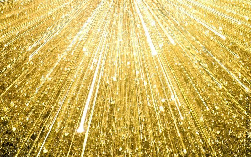 накладные ресницы украшенные золотой фольгой в двадцать четыре карата, фото