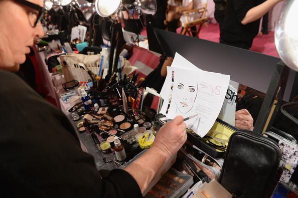 За кулисами показа Victoria's Secret 2013 (много фото и видео)