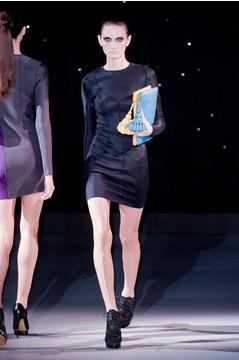 Дизайнер сумок Anya Hindmarch представила новую коллекцию весна-лето 2014
