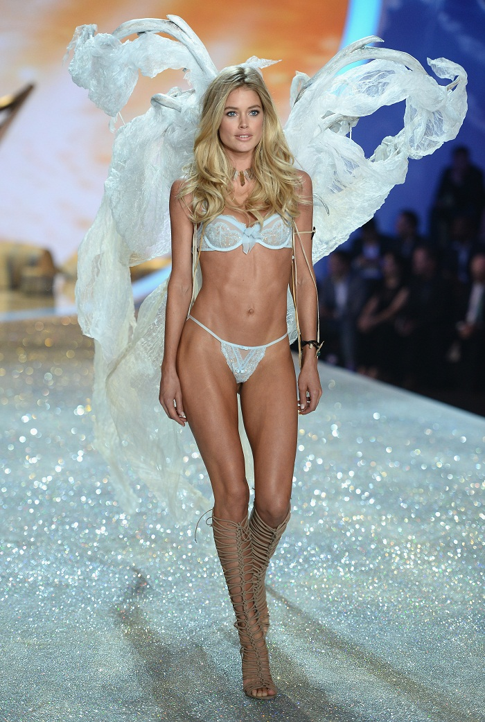 Яркие фрагменты Victoria's Secret Fashion Show 2013/14