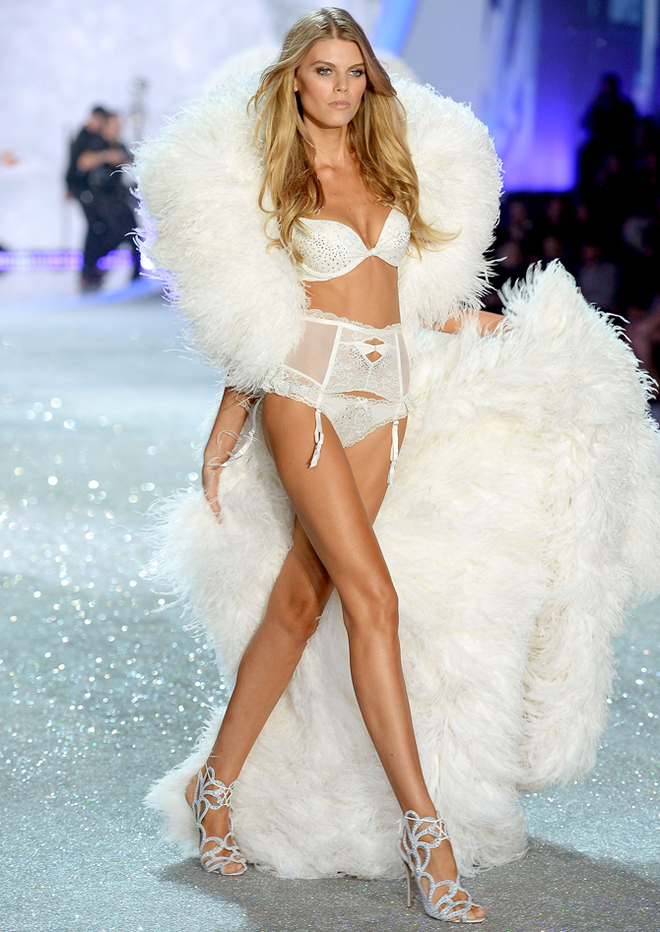 2013 Victoria's Secret Fashion Show - Maryna Linchuk