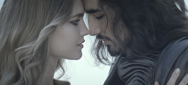 Натальи Водяновой (Natalia Vodianova) в промо аромата Shalimar от Guerlain