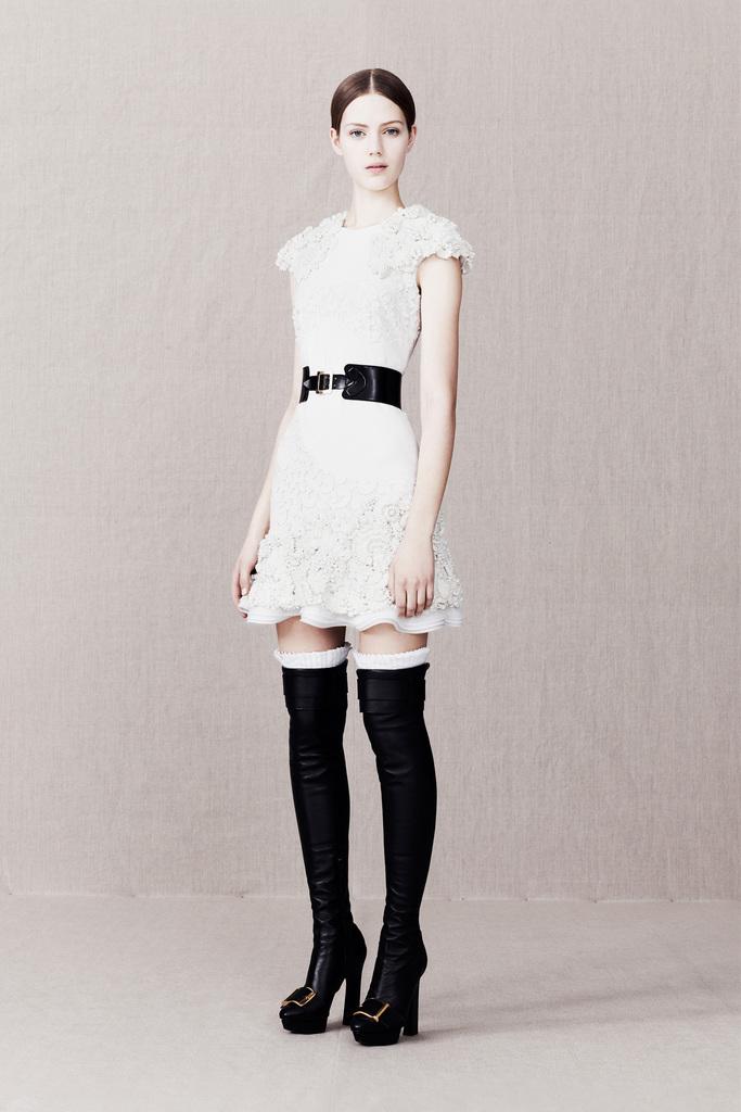 коллекция Сары Бёртон осень зима 2013-2014 для Alexander McQueen (фото и видео)