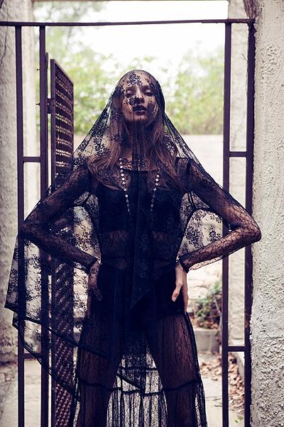 Анна Селезнева в образе вампирши