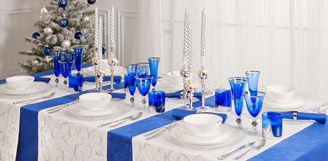 Сервировка: праздничный стол в синей гамме