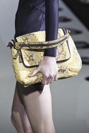 коллекция сумок и клатчей Anya Hindmarch весна-лето 2014