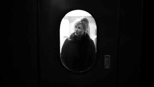 """""""Девушка с коробкой"""" Литвиновой для бренда Alexander Terekhov (первые кадры)"""