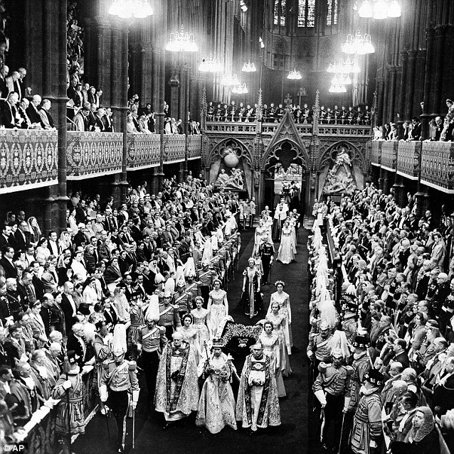 Коронация Елизаветы II 60 лет назад