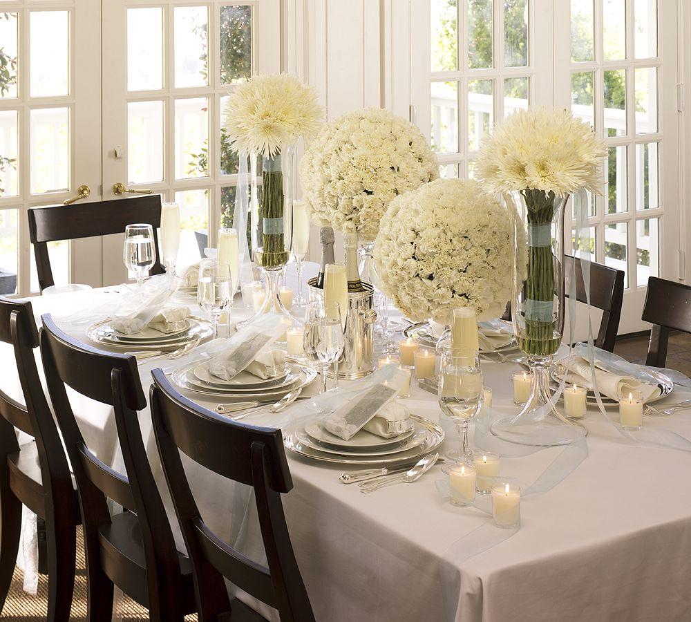 новогодний стол: сервировка в белых тонах