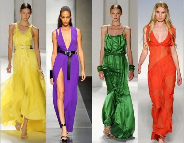 Модные сарафаны с V-образным декольте