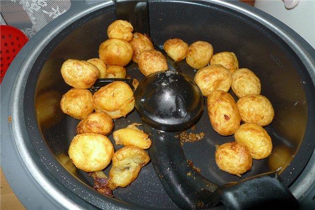 Запеченный картофель в мультиварке