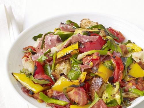 Как приготовить салат Панцанелла