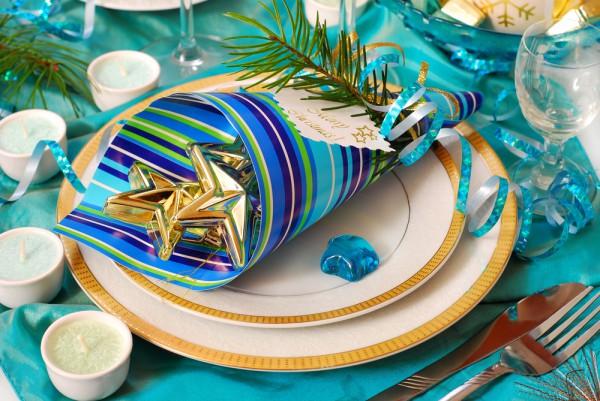 Сервировка в голубом цвете